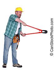 utilizar, agresivo, bolt-cutters, hombre