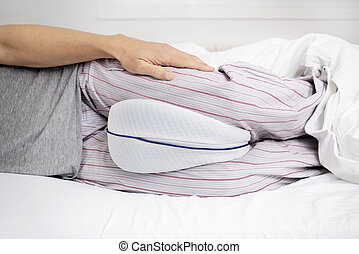 utilizar, anatómico, pierna, cojín, cama, hombre