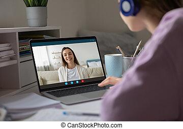 utilizar, charlar, virtual, dos niñas, videoconferencia, aplicación, moderno, amigos, mejor