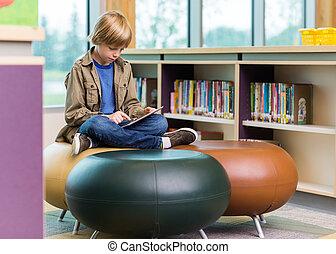 utilizar, colegial, biblioteca, tableta, digital