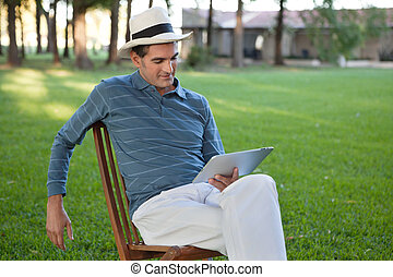 utilizar, hombre, computadora personal tableta