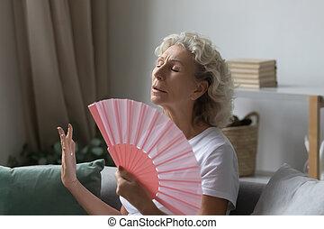 utilizar, mujer, medio, papel, jubilado, fan., viejo, ...