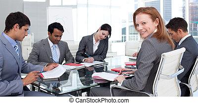 utrikes affärsverksamhet, lag, in, a, möte