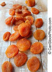 uttorkad aprikoser