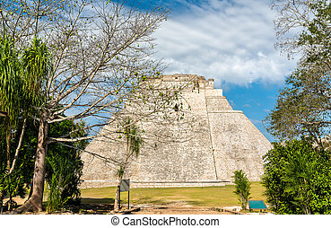 uxmal, pyramide, magicien, mexique
