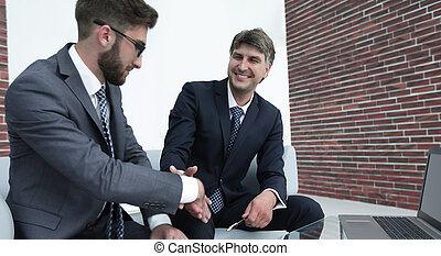 uzgodnienie, od, koledzy, przed, przedimek określony przed rzeczownikami, spotkanie
