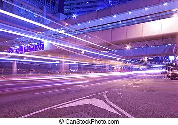 város, elfoglalt, üzleti negyed, modern, forgalom, éjszaka