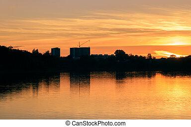 város, folyó, napnyugta, gáncsolt