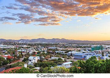 város, hegyek, panoráma, felett, windhoek, háttér, napnyugta, windhoek, namíbia