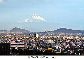 város, hegyi kilátás, vulkán, mexikó