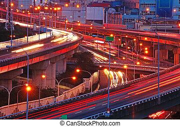 város, közlekedési csomópont, felüljáró