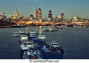 város london, láthatár, -ban, night.