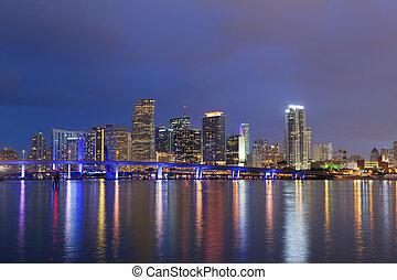 Város,  Miami