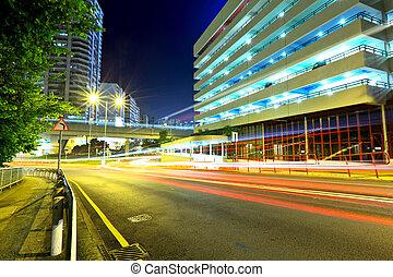 város, modern, autóút, éjszaka