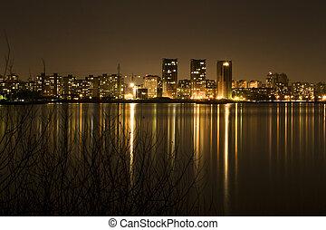 város, robbantószerkezetek, éjszaka