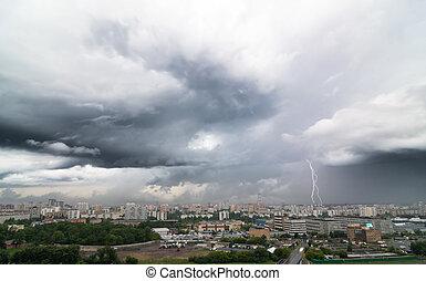 Város, viharos, felett, villámlás, Nap, csavar