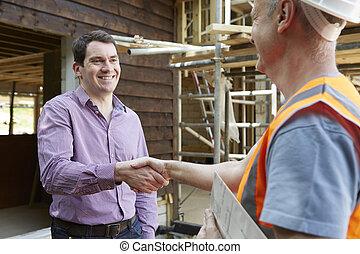 vásárló, építő, reszkető kezezés