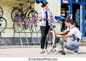vásárló, bicikli fáraszt, bicikli, szerelő, felduzzasztó