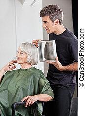vásárló, kiállítás, hajvágás, befejezett, hairstylist