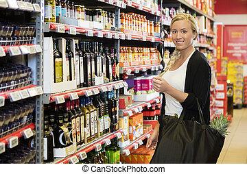 vásárló, vmilyen nagyságú mosolyog, női, élelmiszer áruház
