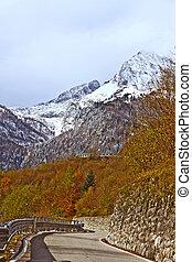 väg, till, monte, croce, carnico, passera, alperna, italien