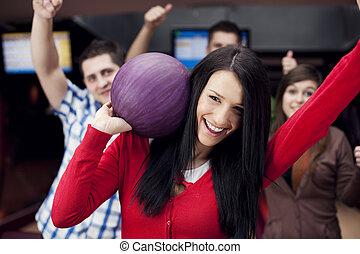 vänner, tillsammans, bowling