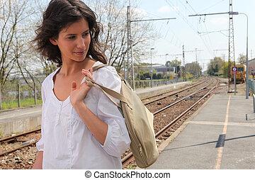 väntan, tåg, henne, kvinna