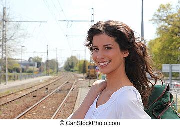 väntan, tåg, kvinna