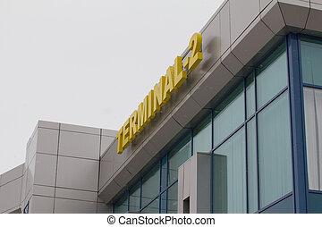 végső, 2, -, felírás, alatt, nemzetközi repülőtér, -, sárga, szavak, képben látható, blue közfal