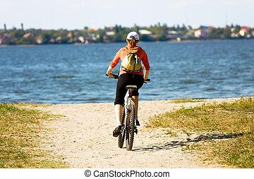 vélo, femme, équitation