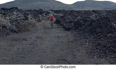 vélo, femme, cycliste, montagne, mtb, faire vélo, cyclisme, paysage, piste, volcan