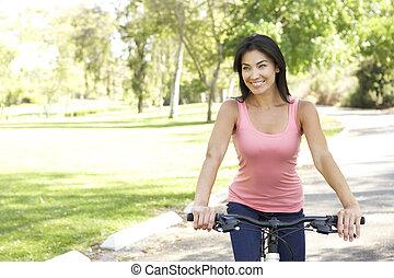 vélo, femme, parc, jeune, équitation
