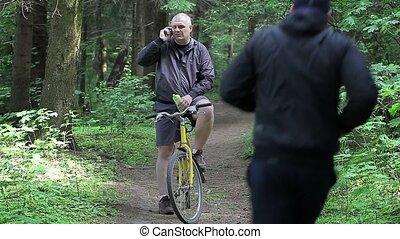 vélo, homme, téléphone portable