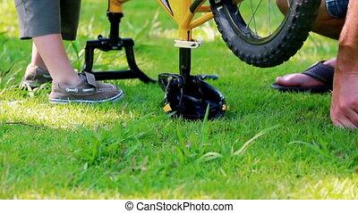 vélo, peu, sien, garçon, jouer