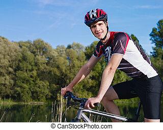 vélo tout terrain, jeune homme, formation