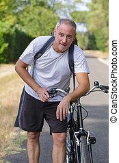 vélo voyageant, drainé