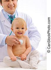 vérifié, docteur, être, stéthoscope, pédiatre, bébé, utilisation