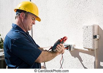 vérification, électricien, tension