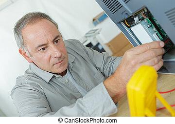 vérification, câblage électrique, circuit