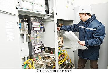 vérification, câblage, ligne, électricien, puissance