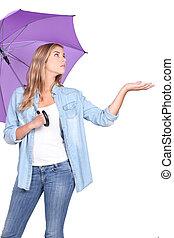 vérification, femme, pluie