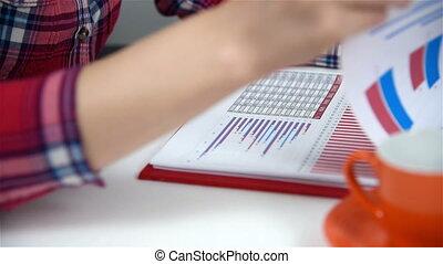 vérification, femme, statistiques, bourse
