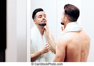vérification, lui-même, séduisant, homme, miroir