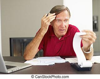 vérification, maison, personne agee, finances, homme