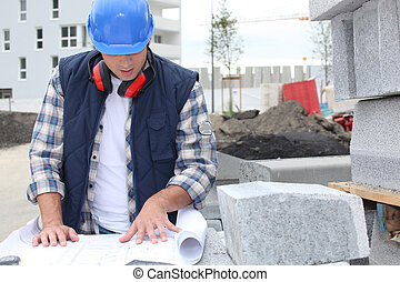 vérification, ouvrier construction, plans