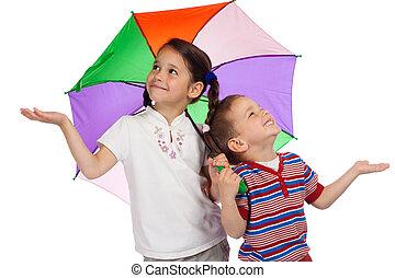 vérification, parapluie, peu, enfants, pluie