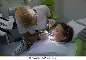 vérification, régulier, patient, elle, enfant