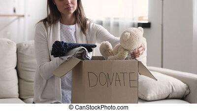 vêtements, boîte, donation, ours, enfants, femme, emballage...