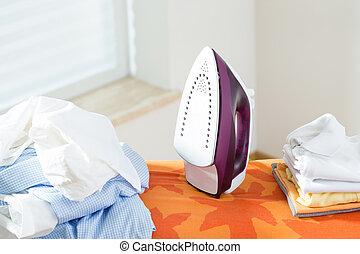 repassage lessive planche femme haut color tas l vation v tements. Black Bedroom Furniture Sets. Home Design Ideas
