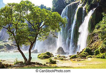 vízesés, vietnam